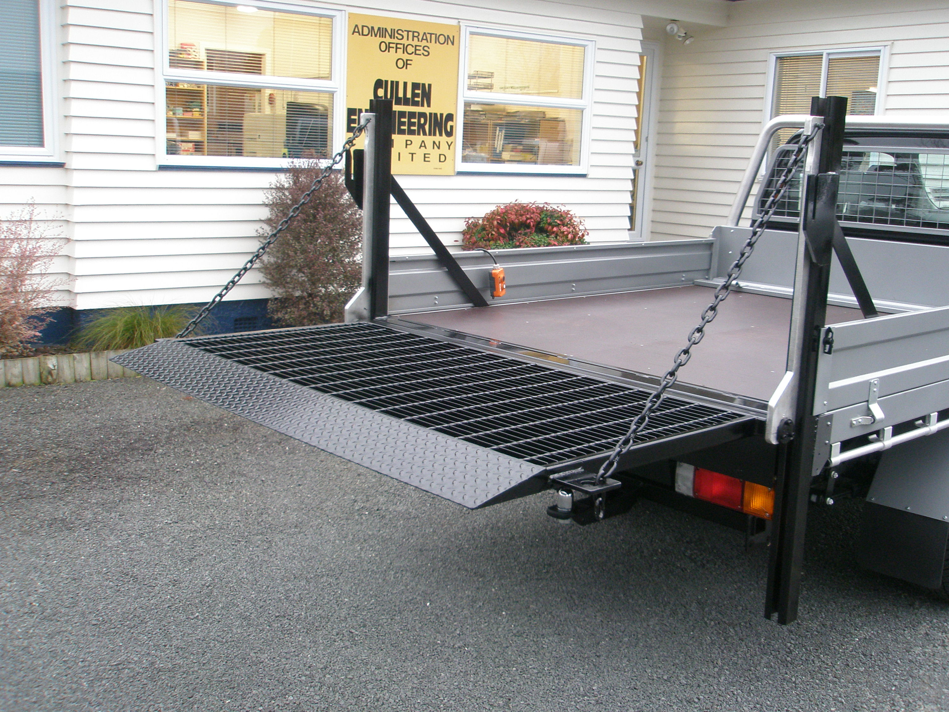 CV250 Vertical Tail Lift - Image 3